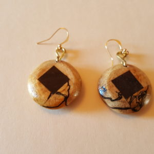 Round Spalted Maple Wood Earrings (2A)